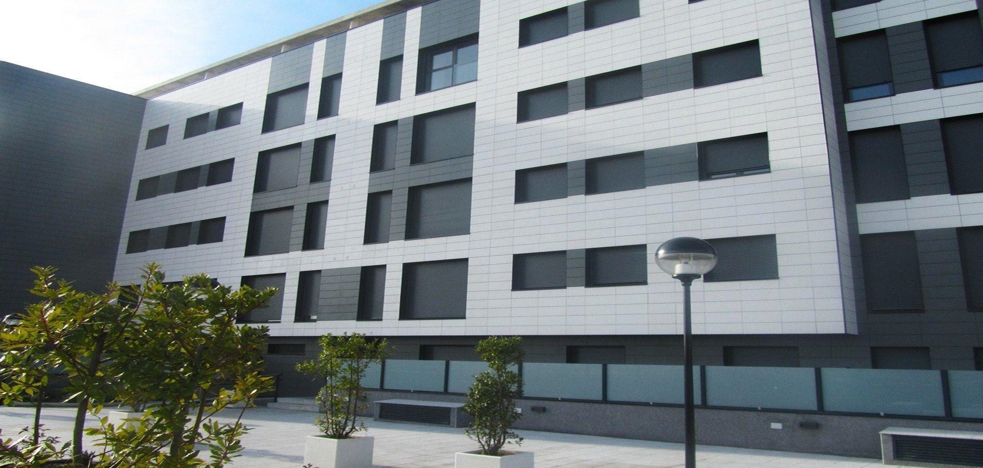 Fachadas ventiladas en San Sebastián: Aluminio, Cerámicos, Composites y Fenólicos