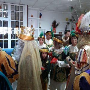 SS.MM Los Reyes Magos de Oriente llevan la alegría a la Residencia de Mayores Cristo Roto