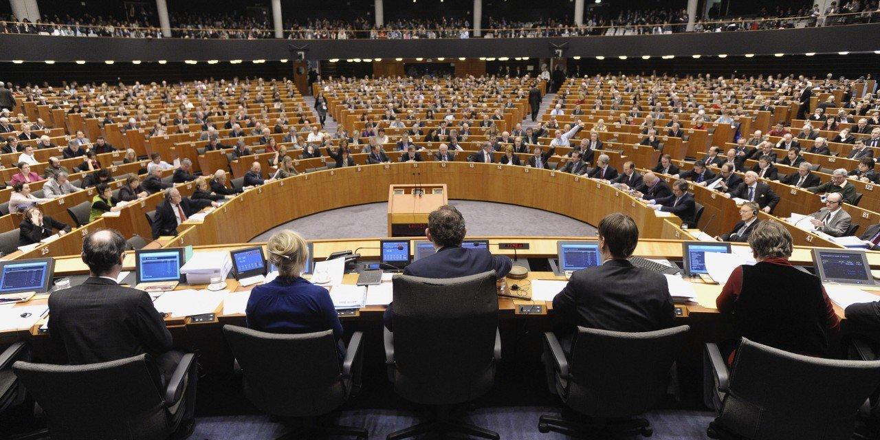 Os camaradas do Syriza no Parlamento Europeu  Observador