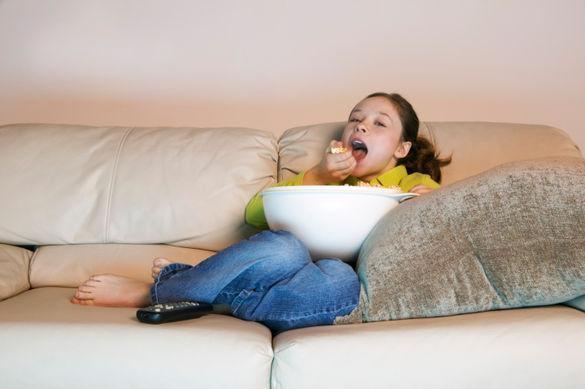 rop de pub à la télé favorise le surpoids des enfants