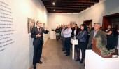 Primera visita guiada, el día de la inauguración de La Memoria Encendida en La Palma.