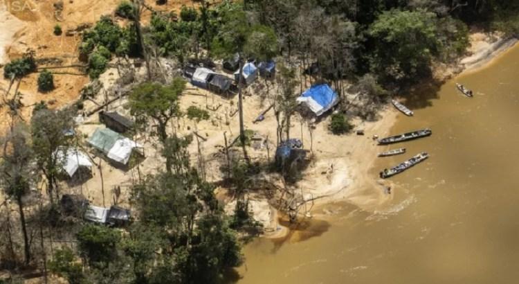 Maior terra indígena do Brasil, TI Yanomami sofre com 25 mil ...
