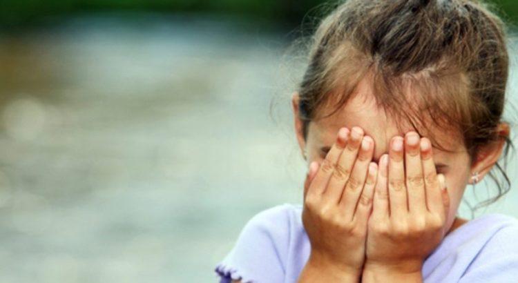Criança abusada sexualmente