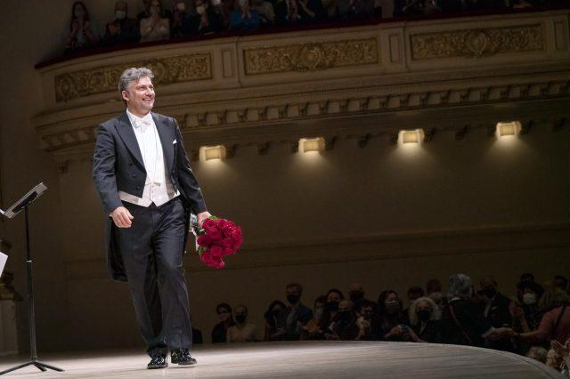 Superstar Tanner Jonas Kaufman performs at Carnegie Hall.