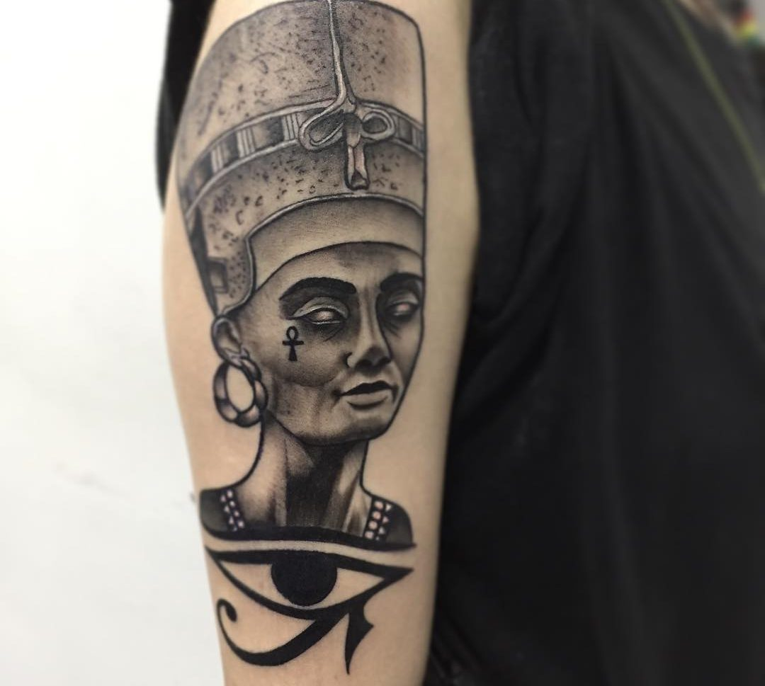 Ojo Horus Obsession Tattoo