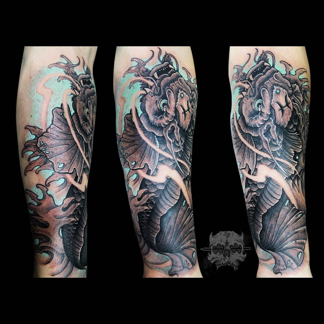 Tatuaje Japones Karpa Color Hombre Antebrazo Grande Benjatattoojpg