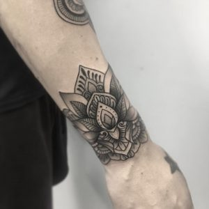 Tatuaje De Flores Obsession Tattoo