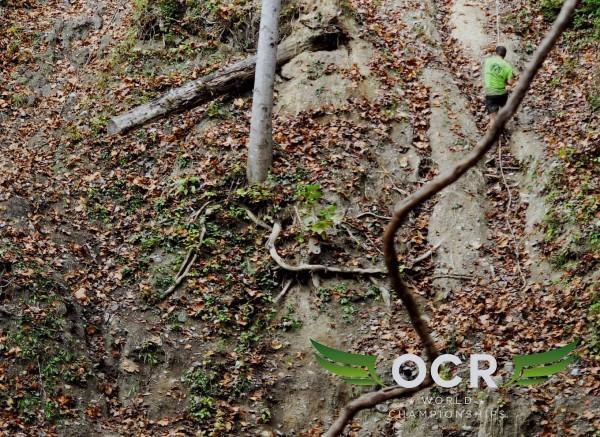 Des cordes pour passer les montées. © OCR World Championships.