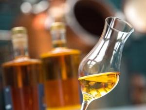 18-45-whisky-destille