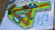 4th Birthday Thomas the Train Cupcake Cake (1280x712)