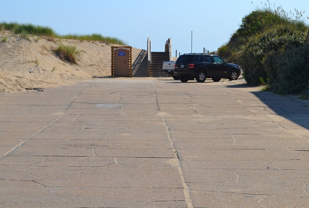 gray-eagle-beach-access-1