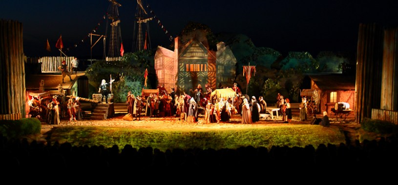 'The Lost Colony' is performed live at Waterside Theatre on Ronaoke Island, North Carolina every summer since 1937. (photo by OBXentertainment.com)