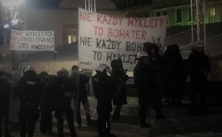 Obywatele RP na trasie marszu narodowców w Rzeszowie