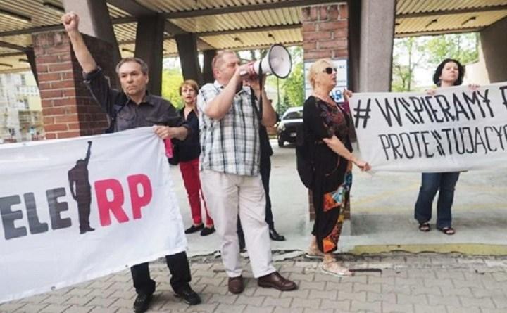 Pikieta Obywateli RP w Lublinie przed urzędem wojewódzkim. W urzędzie premier Morawiecki