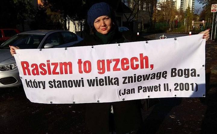 """Gabriela Lazarek ztransarentem """"Rasizm togrzech"""""""