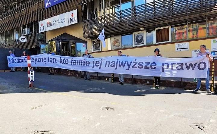 PIkieta przed siedzibą PiS, 9.07.2018