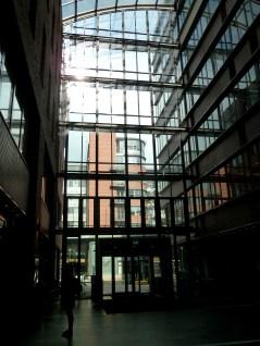 wejście widziane od strony schodów