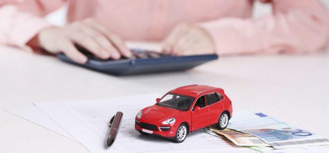vvava Prima di prendere un'auto a credito, si consiglia vivamente di valutare tutti i rischi