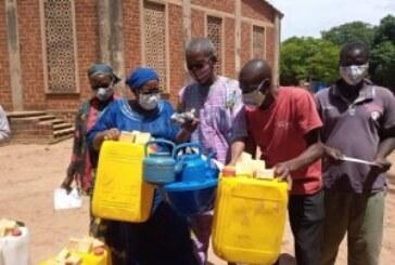 Lutte contre le COVID 19 : l'OCADES  sensibilise et offre du matériel  aux populations vulnérables de Orodara