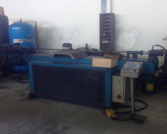 Maquina de Curvar tubo AMOB