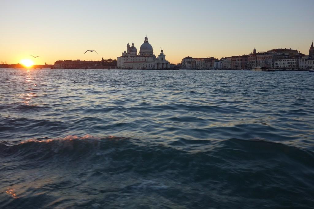 Un tas d'îlots humides et puants, voilà une description qui sied à Venise