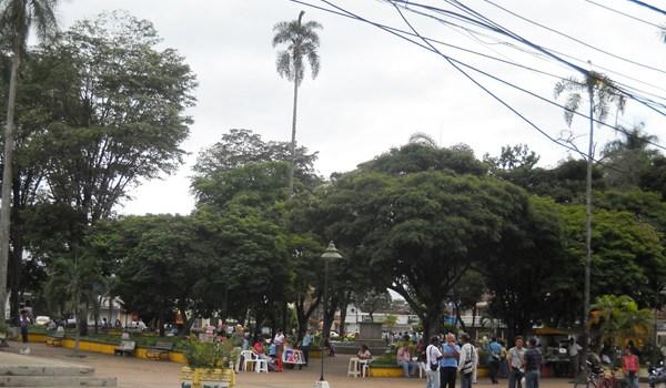 Recuperacion-del-parque-principal-de-Jamundiene13