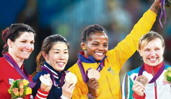 jackeline-repitio-bronce-en-la-lucha-olimpicaago10