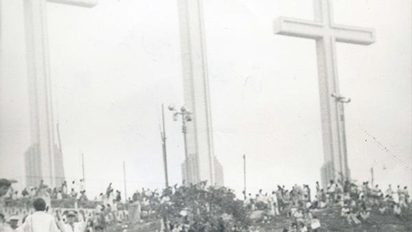 Las Tres Cruces de antaño durante la peregrinación