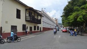 Buga conserva en sus calles y fachadas de sus viviendas