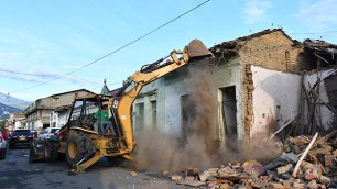 Demolición de casas donde se expendía droga