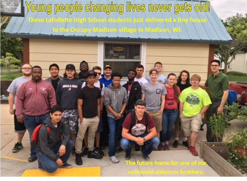 OM_HSstudents_TinyHouse