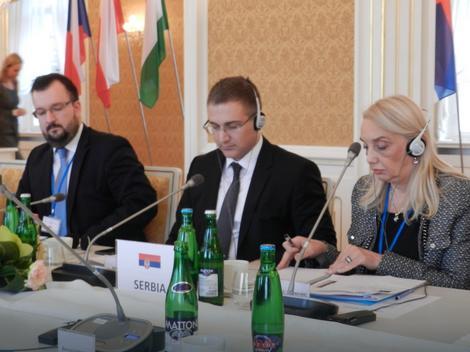 Nebojša Stefanović na sastanku u Pragu