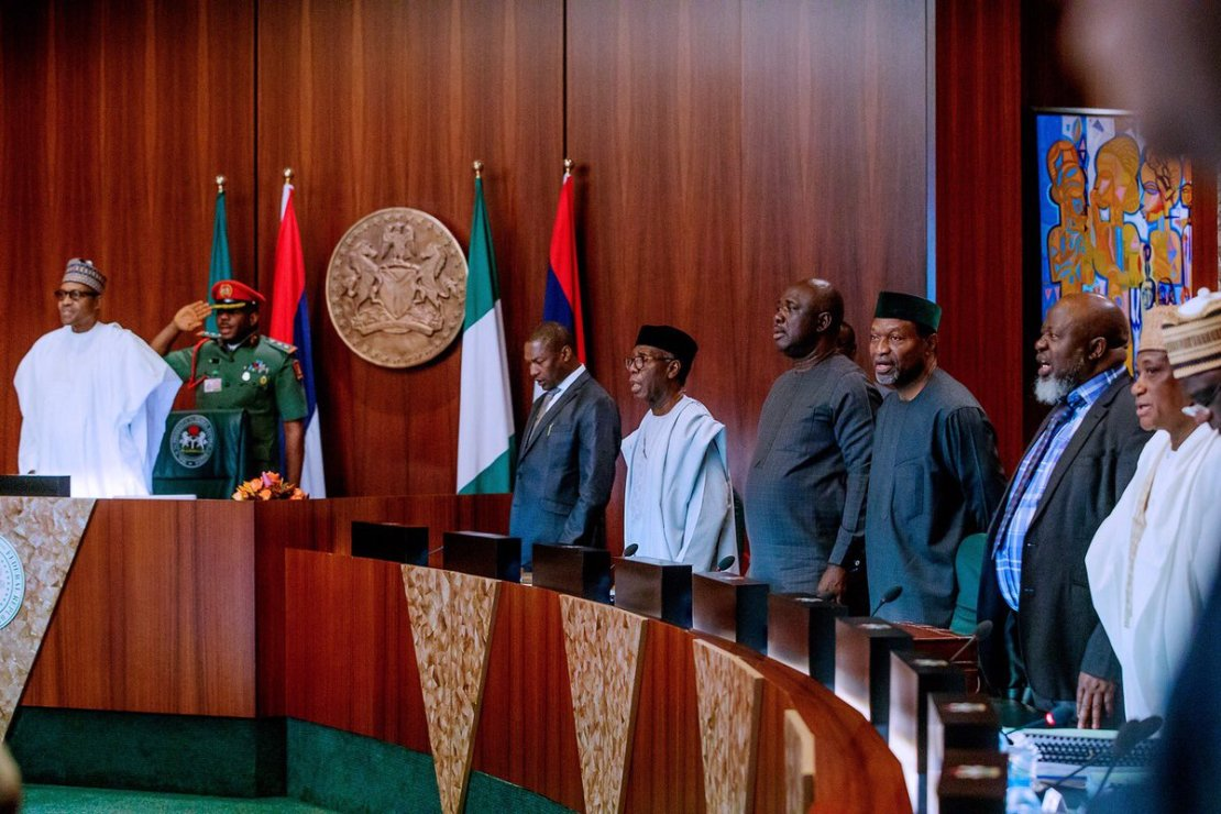 President Muhammadu Buhari at the FEC meeting before old cabinet was dissolved [Twitter/@BashirAhmaad]