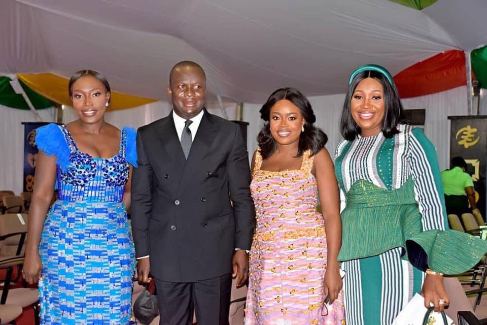 Dakoa Newman with some politicians