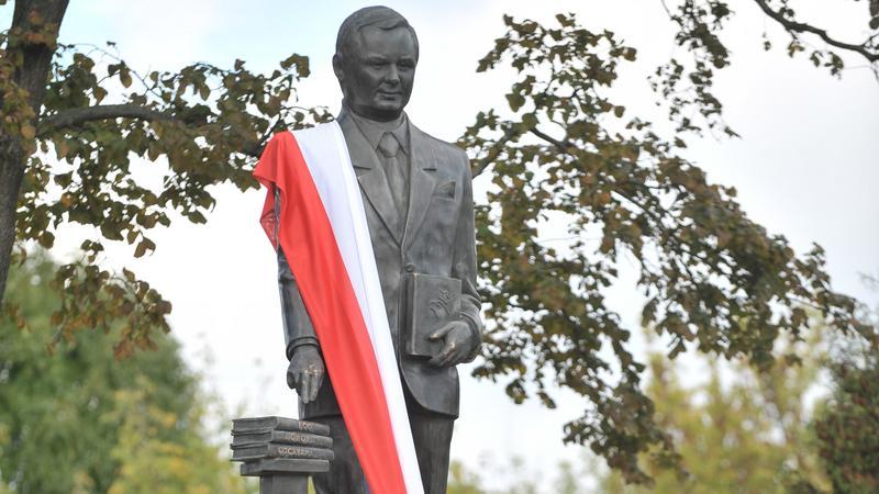 Pomnik prezydenta RP śp. Lecha Kaczyńskiego