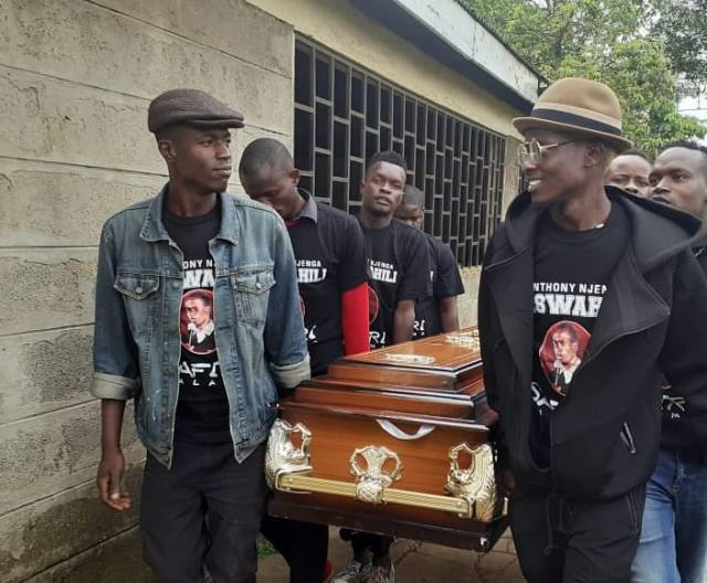 The late Churchill show comedian Njenga Mswahili laid to rest at Lang'ata cemetery (Photos)