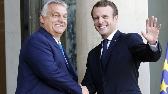 """Prezydent Francji i premier Węgier dobrze się rozumieją. W Europie konformizmu uchodzą za prowokatorów – pisze Boris Kálnoky w cyklu """"Moja Europa""""."""
