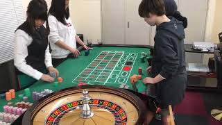 roulette dealing practice spin the ball. ルーレットディーリング練習