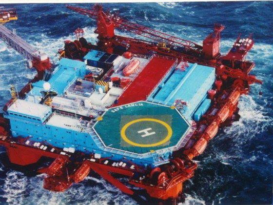 Dynamically stabilized oil drilling and production platform.