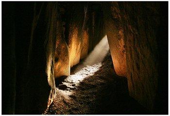 newgrange-ab3-2004.jpg