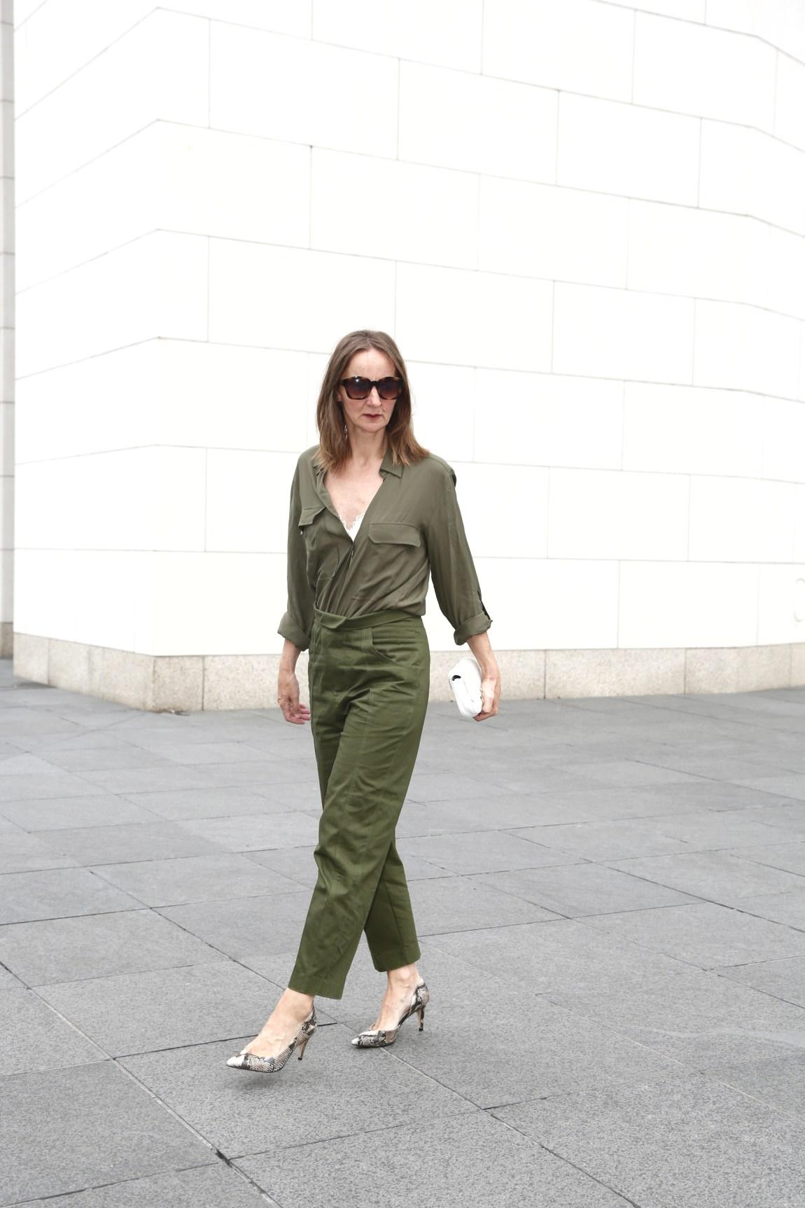 Khaki-Trend-farbe_Herbst_mode-blog-frauen_ue50_oceanblue-style (4)-01