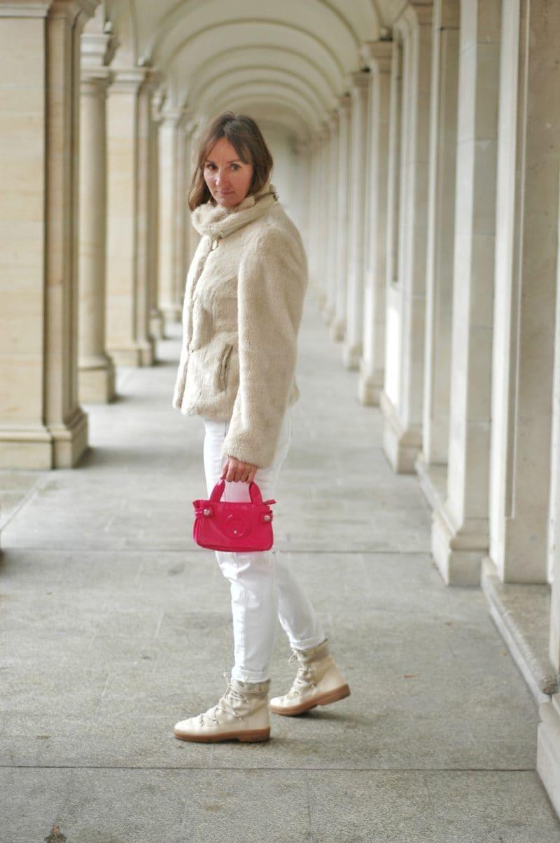 neon-pink-kombinieren_fell-jacke_fake-fur_mou-boots_armani-tasche_mode-blog_ü50_frankfurt_oceanblue-style