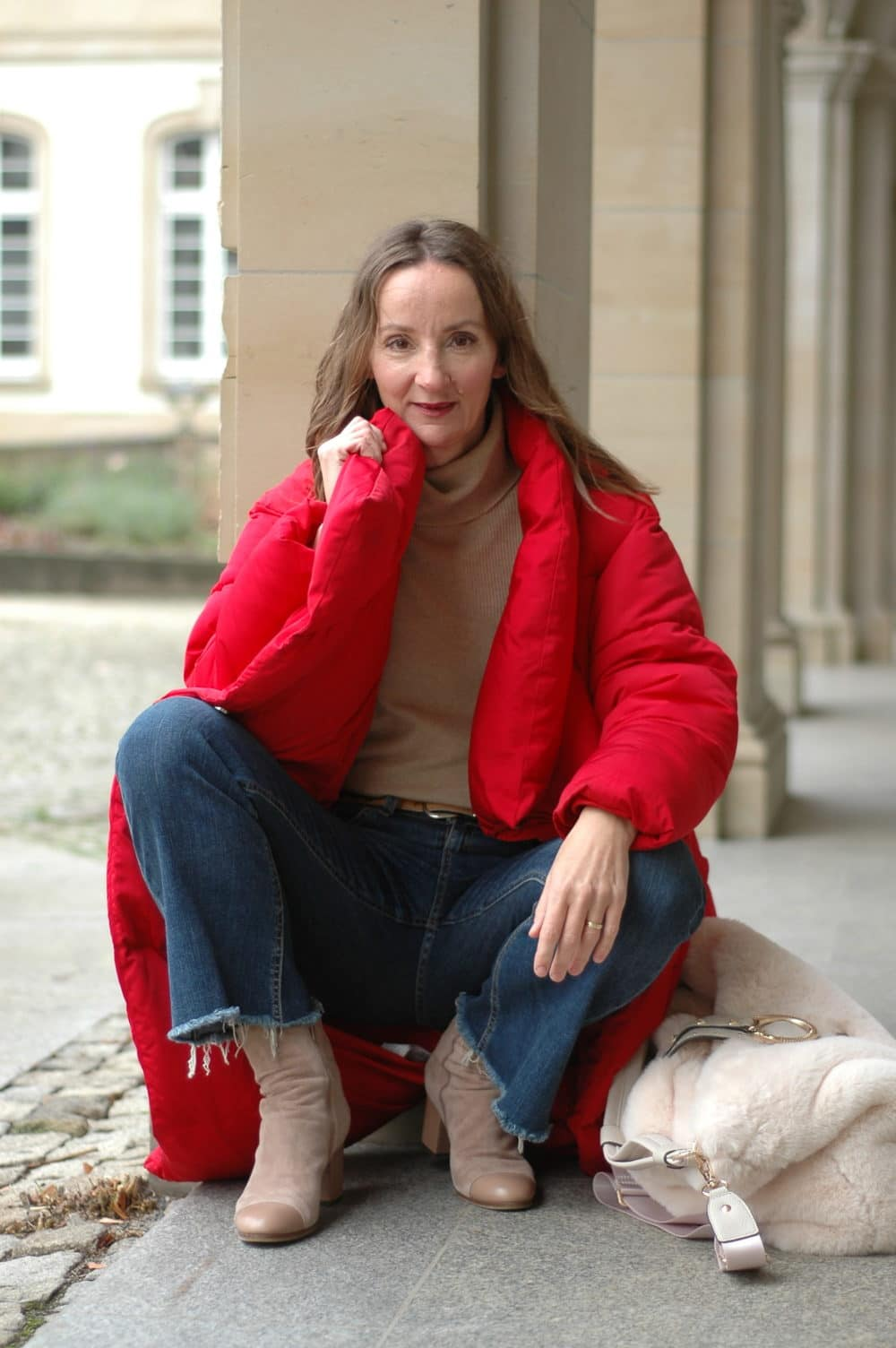 weihnachtsmarkt-frankfurt_daunen-mantel_jeans_fransen_modeblog_ü50_oceanblue-style