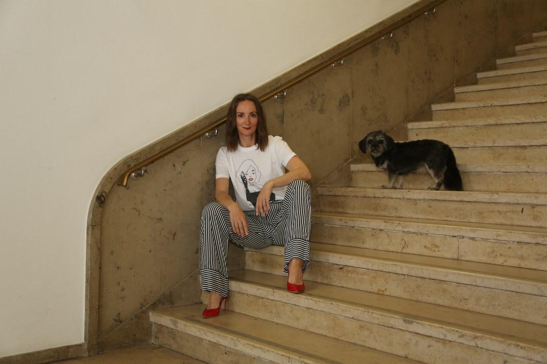 weite-pyjama-hose_streifen_faltenrock_streifenbluse_slingback-pumps_rot_mode-blog-ü40_Oceanblue-style_jeansjacke_denim_neopren_birkin-bag (5)