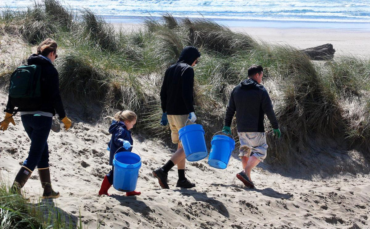 alternatives-to-single-use-plastic-bags-at-beachcleanups