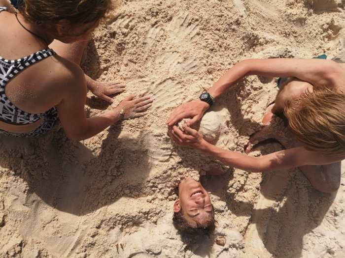 Linus im Sand