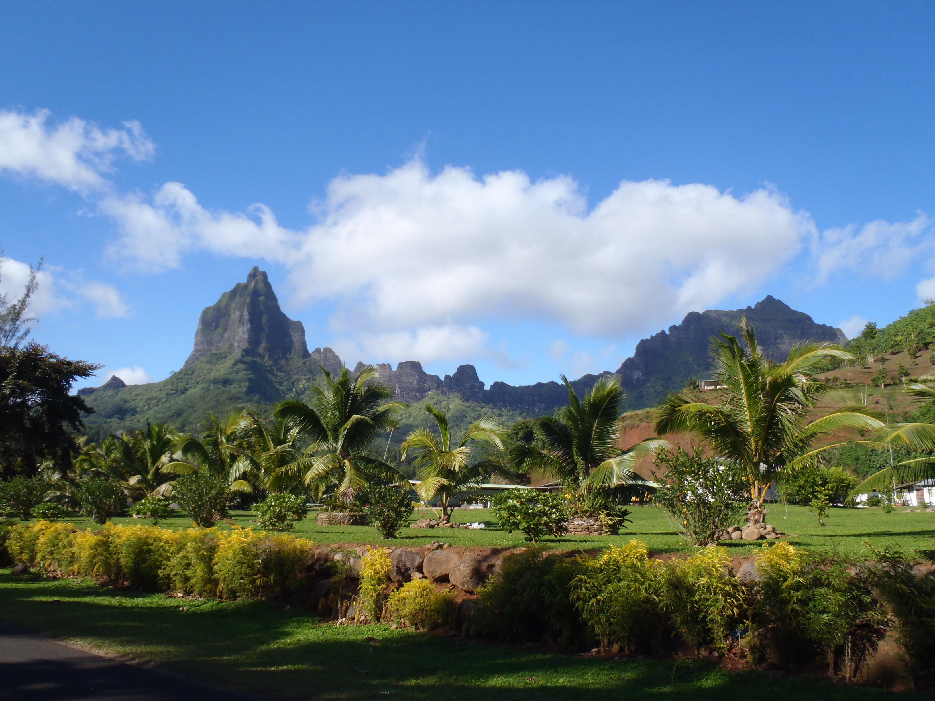 Tahiti Moorea Huahine Bora Bora Raiatea Islands 2012