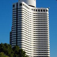 200px-Hotel_New_Otani_Tokyo_Garden_Tower-200x200