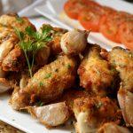 Cómo preparar pollo al ajillo con manzanilla