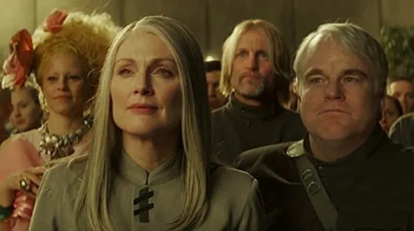 julianne-moore-philip-seymour-hoffman-mockingjay-part-2-lg